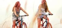 Imagem de duas jovens ciclistas. A imagem ilustra que podes fazer praticamente tudo mesmo quando estás com o período: andar de bicicleta, correr, fazer exercício, nadar, etc.